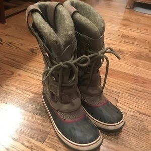 Practically new Sorel snow boots